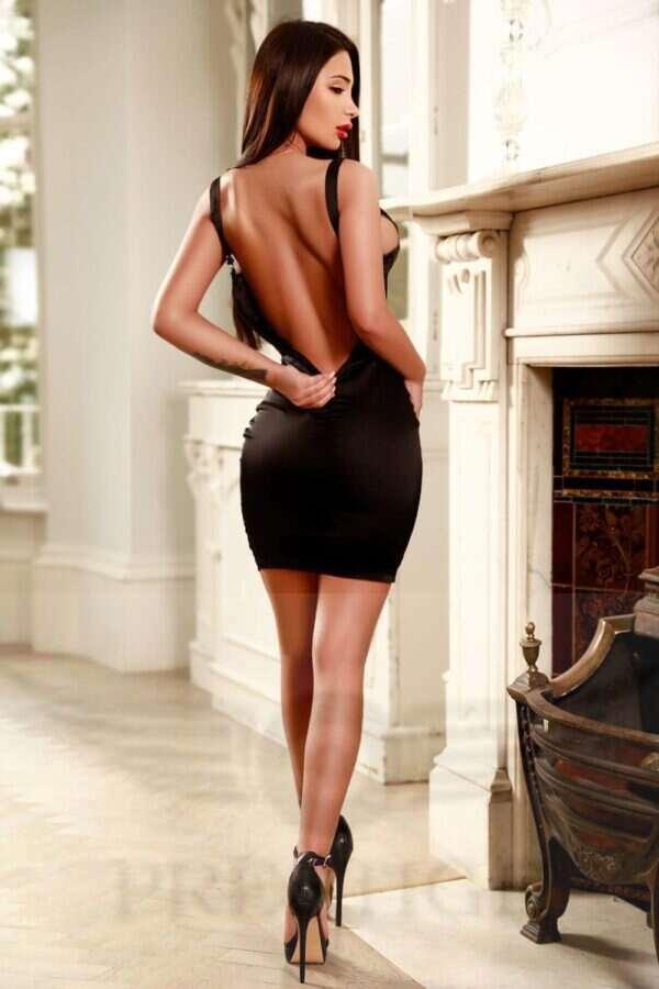 Louisa N 1 600x900 - Louisa £200+  22YRS Knightsbridge Escort London