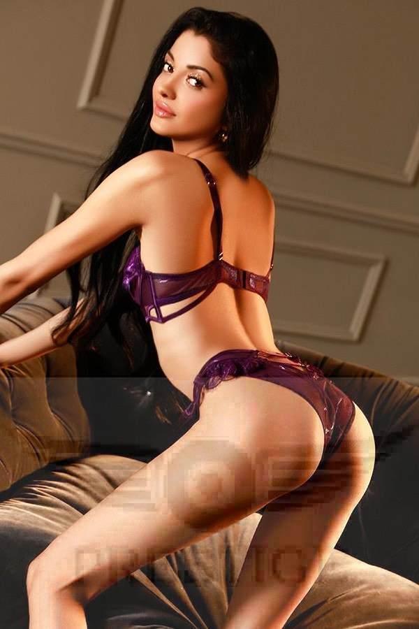 Sexy Escort Suzie in her Underwear