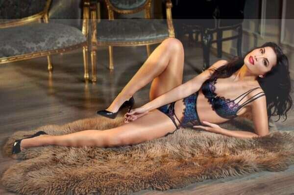 Abigail 3 600x399 - Abigail £250+ 22yrs Bayswater Escort London