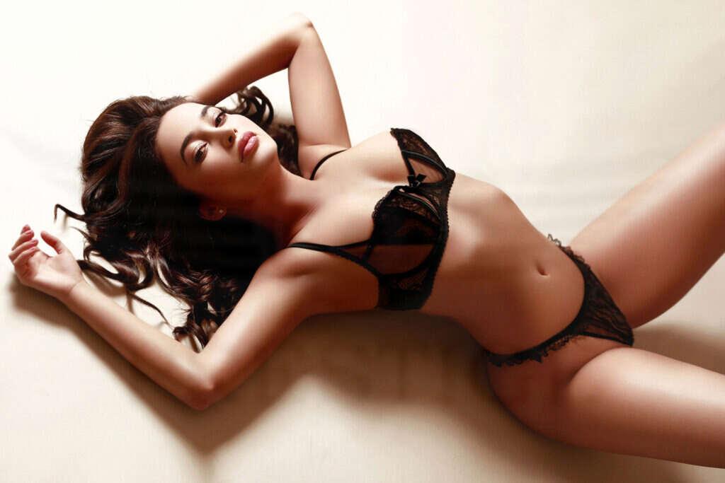 Megan 5 1 1024x683 - Knightsbridge Escorts