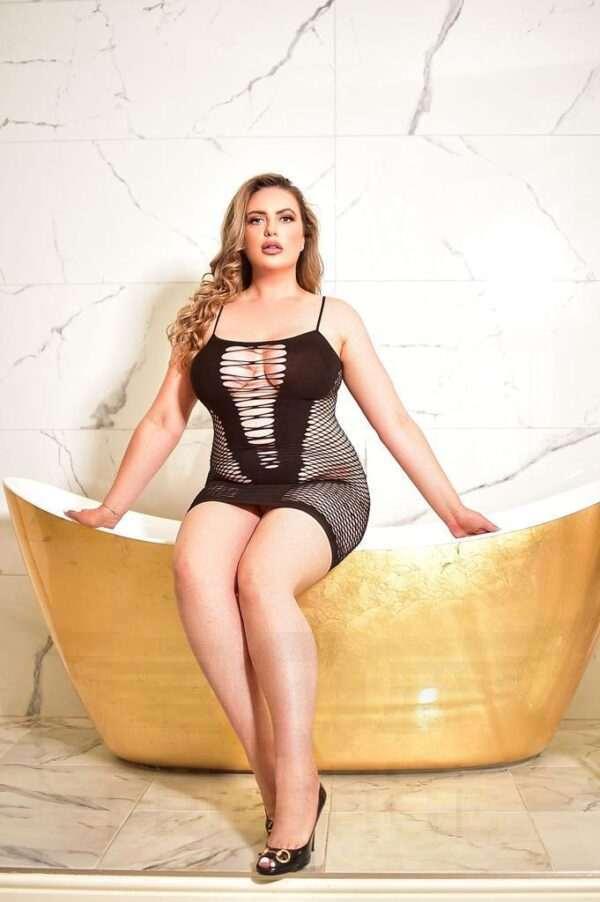 Irina new 4 600x902 - Irina £400+ 28YRS Central London Escort