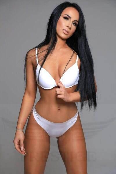 sexy escort Christina